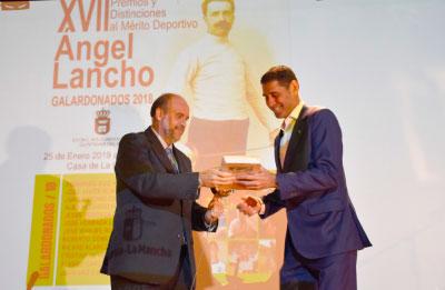 Fernando Hierro, entre los galardonados en los premios 'Ángel Lancho'