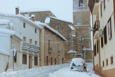 Atención a la nieve en tejados, cornisas o terrazas