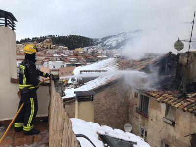 Bomberos intervienen de nuevo en la vivienda próxima a El Almudí