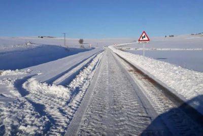 Más de 70 kilómetros de carreteras de la provincia, intransitables por hielo y nieve