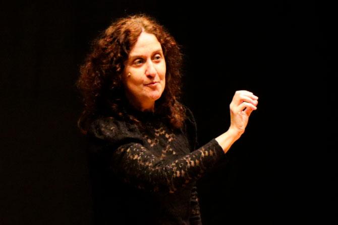 Paula Carballeira clausura el Festival DPalabra con sus cuentos de miedo