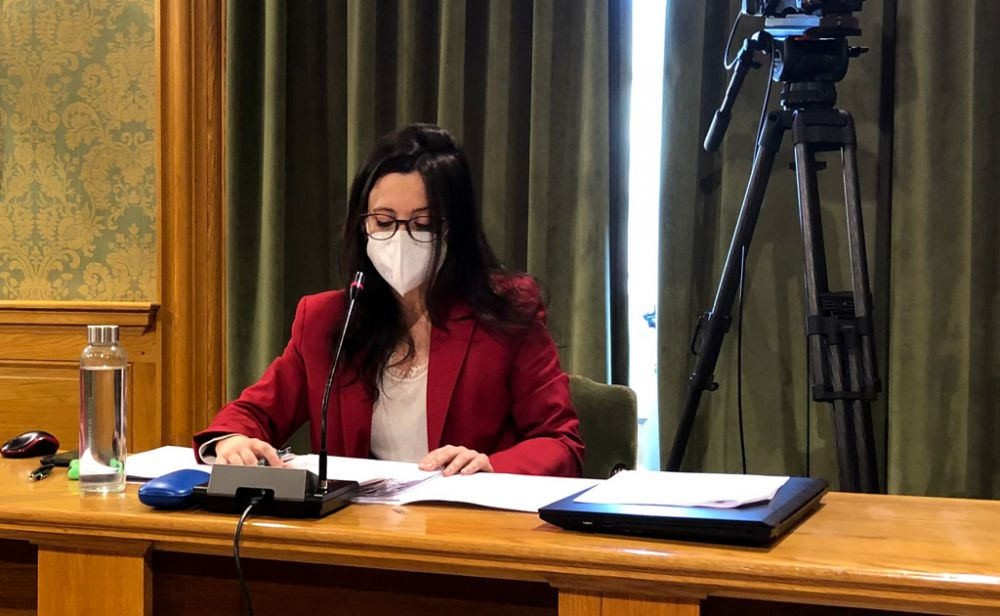 """La concejala de Urbanismo tacha de """"inviable"""" el contrato del PP para la revisión del POM"""
