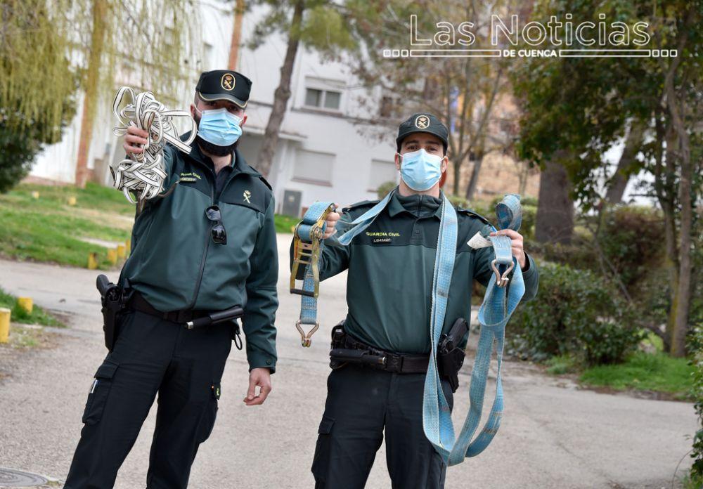 Héroes anónimos tras el uniforme de la Guardia Civil