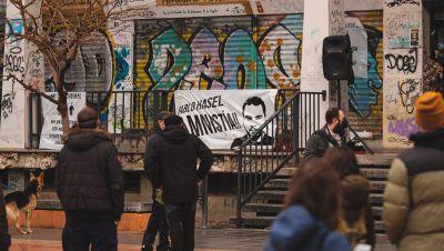"""Artistas y colectivos locales reclaman """"libertad"""" para el rapero Pablo Hasél"""