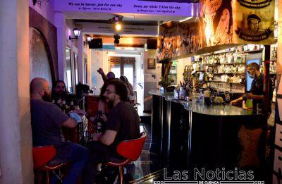 Interior de bares al 50% y terrazas al 75%, a partir del domingo