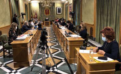 El Ayuntamiento reclama políticas en favor del derecho al cuidado y a la conciliación