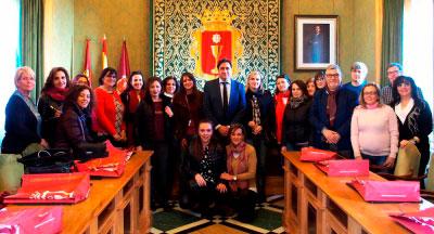 Mariscal recibe a los profesores del proyecto Erasmus + 'Building Bridges with Music'