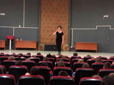 Campaña de recogida de fondos para la Bienal de Teatro