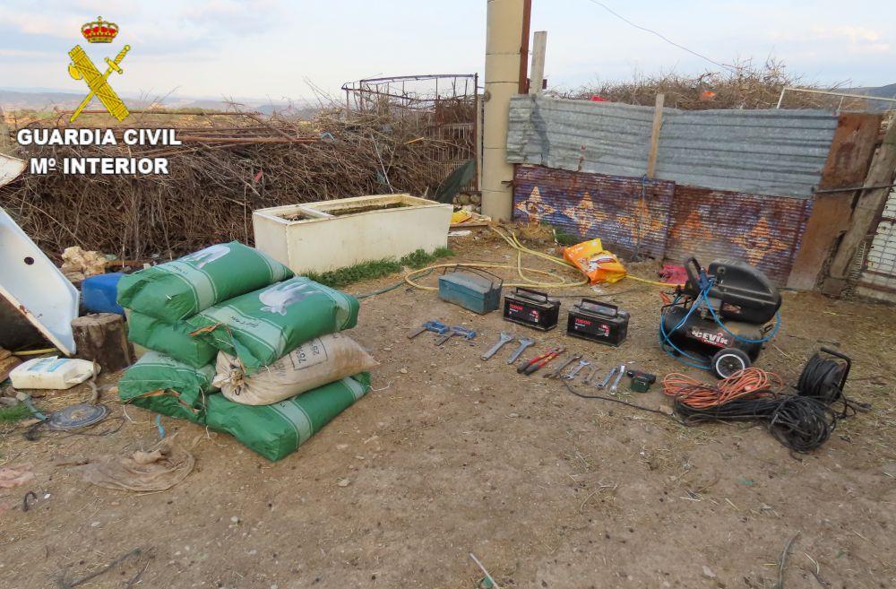 Tres detenidos por robos en naves agrícolas en Villalba del Rey