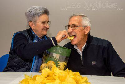 Dos conquenses triunfan con sus snacks en Madrid desde 1975
