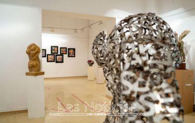 'Renacer III', una exposición colectiva de escultura y cerámica