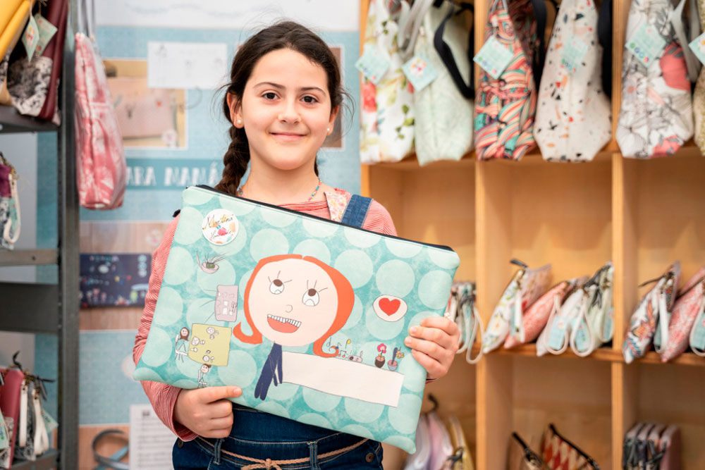 Martina, la artesana más joven de Farcama Primavera