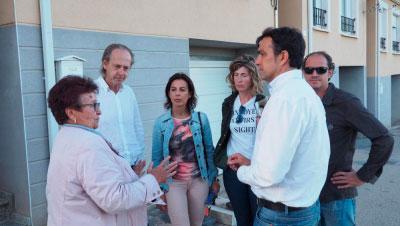 Luz Moya se compromete a mejorar el acceso por carretera a Nohales