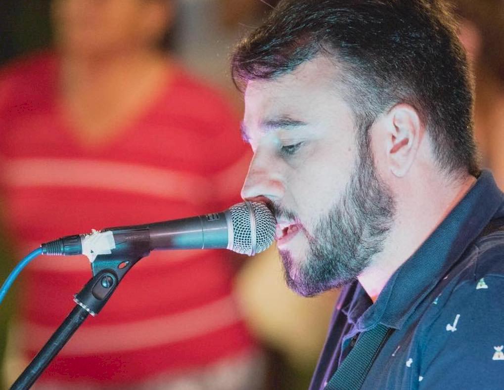 El cantautor David Campos presenta su nuevo álbum en Los Clásicos
