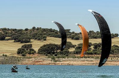 El Club Kite Surf Centro organizará la I Copa de España de Fórmula Kite de Aguas Interiores