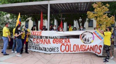 La comunidad colombiana se concentra en Cuenca en solidaridad con su pueblo