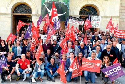 """Alcaldes y sindicatos exigen a Prieto """"que no juegue con el pan de las familias conquenses"""""""