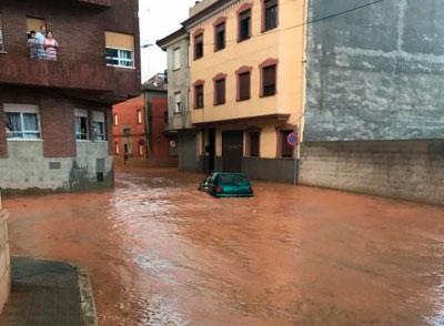 Rescatadas dos mujeres y una menor del interior de un vehículo en Quintanar del Rey