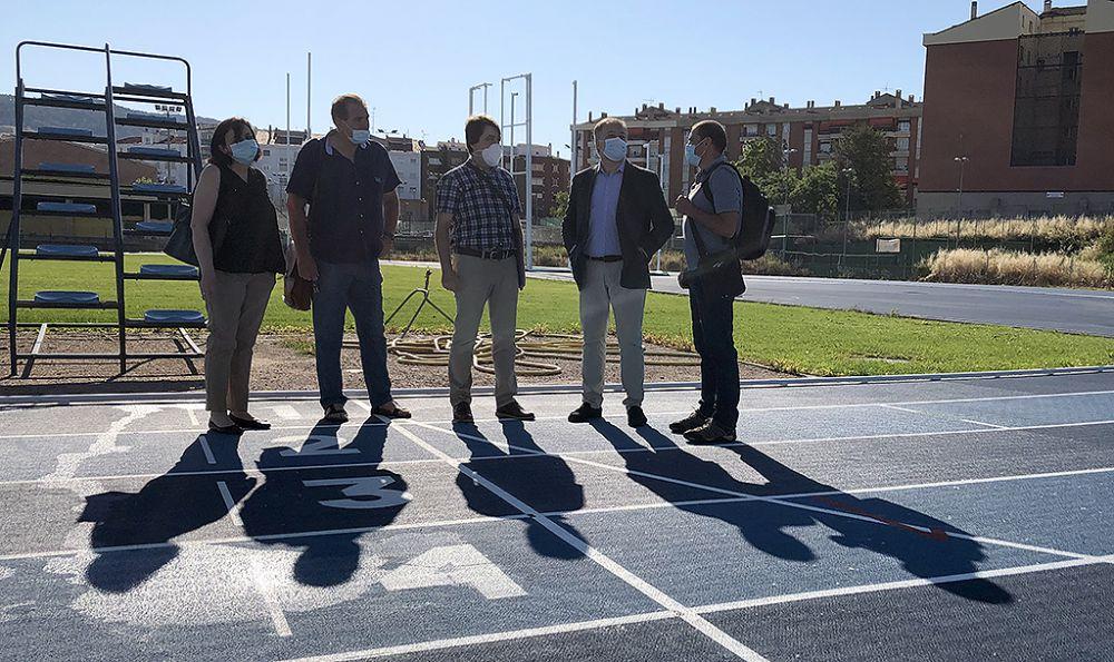 El Ayuntamiento recepciona las pistas de atletismo tras su reforma