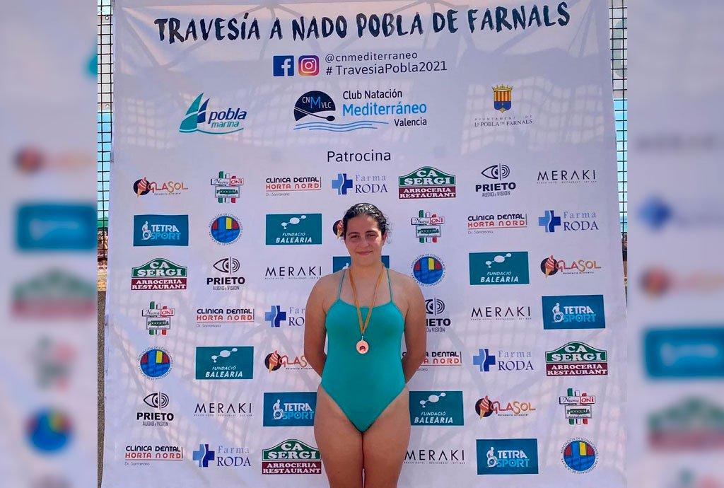 Claudia Eslava logra una medalla de plata en la Travesía a nado de Pobla de Fornals