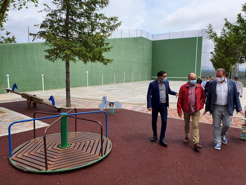 Fuentelespino de Moya arregla sus pistas polideportivas con apoyo de Diputación