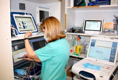 El hospital extiende la monitorización cardiaca remota a residencias de mayores