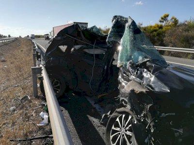 Dos fallecidos en una colisión entre un turismo y un camión en Cañada Juncosa
