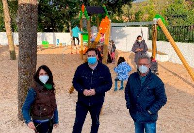 El Ayuntamiento de Huete renovará los parques infantiles y estrena el de Caracenilla