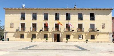 El Ayuntamiento de Tarancón se iluminará de verde por el Día Mundial de la ELA