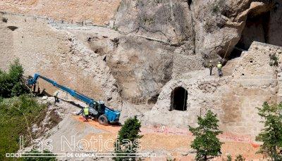 La reconstrucción del muro de Canónigos concluirá este año