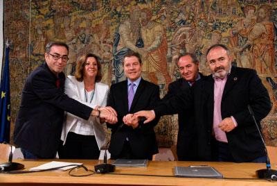García-Page firma con los agentes sociales un pacto por el crecimiento