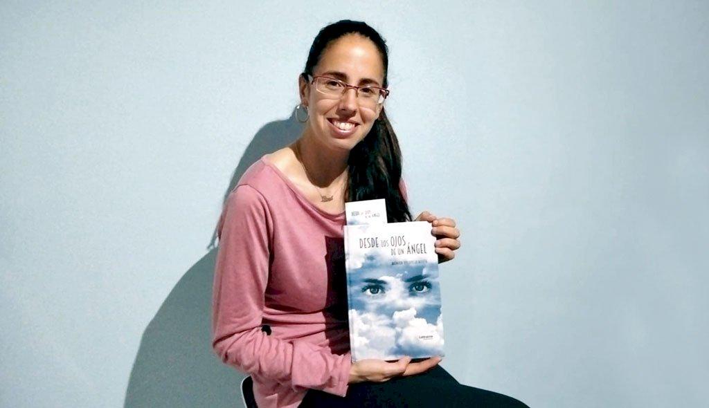 Mónica Villarejo presenta 'Siento no ser él', su primera novela romántica