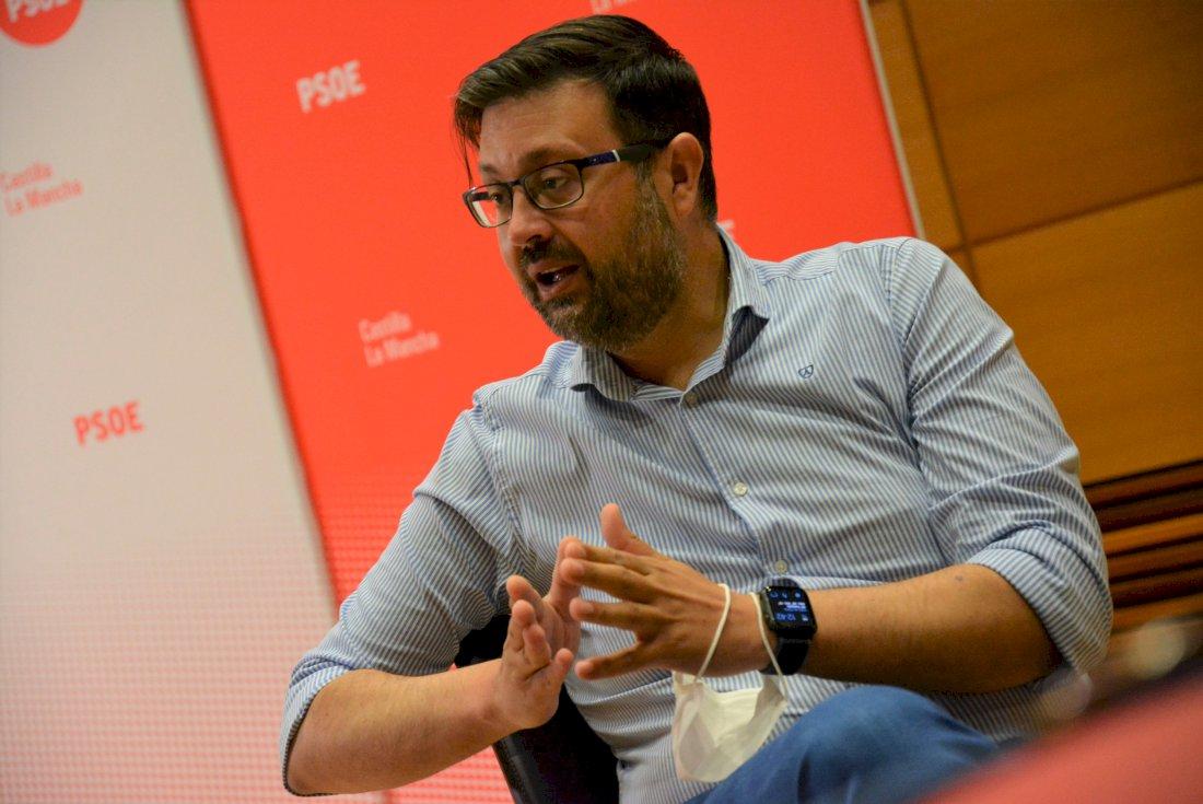 """El PSOE pide a Prieto """"un cambio de rumbo"""" en su nueva etapa"""