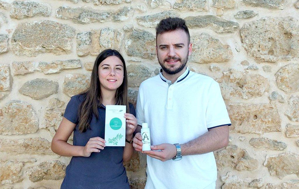 Dos jóvenes lanzan en La Jara un producto contra las hemorroides