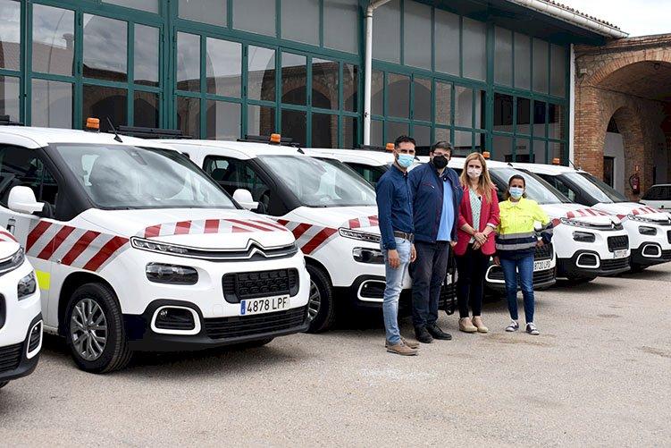 La provincia de Cuenca recibe seis nuevas furgonetas para las brigadas de carreteras