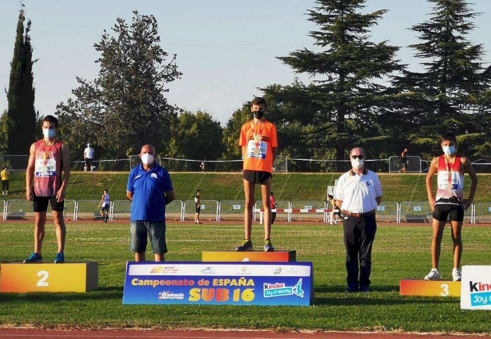 Alex Hontecillas gana el bronce en el Campeonato de España sub16