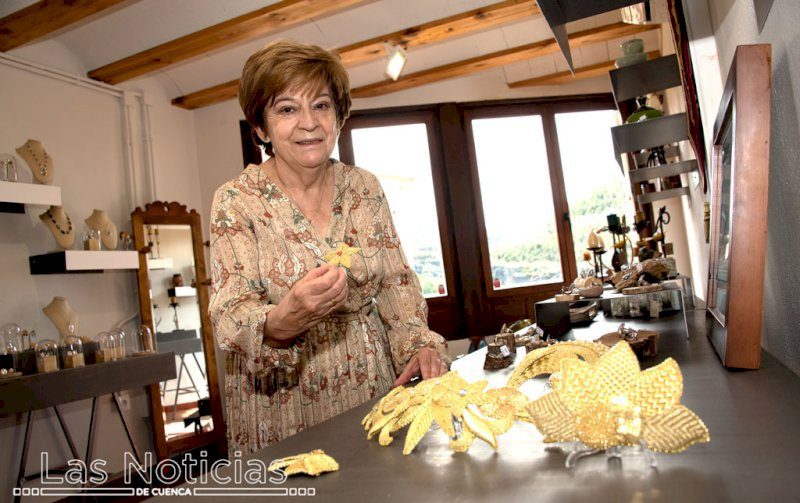 La Junta concede 10 nuevos carnets de artesanos en Cuenca