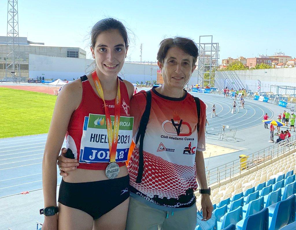 Lydia Ballesteros se proclama subcampeona de España sub18 en los 5.000 metros marcha