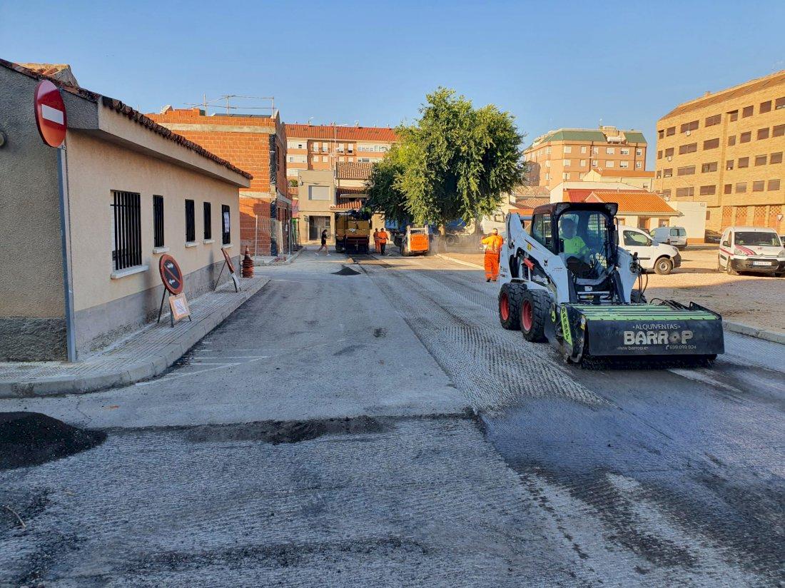 Comienzan las obras de asfaltado y acerado en el Parque Ferial y  barriada de El Congo