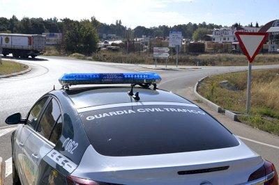 Detenidas tres personas por suplantar a otras en el examen teórico del carné de conducir