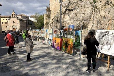 El Paseo del Arte celebra su primer aniversario con teatro y un taller infantil de pintura