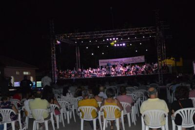 La Asociación Musical Moteña triunfa con su primer concierto de verano