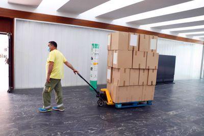 Medio millón más de artículos de protección para los centros sanitarios de CLM