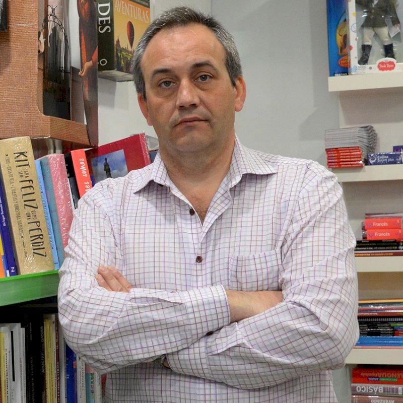 Julián Saiz es Asociación de Libreros y Papeleros de Cuenca.// Foto: Sara M. de Lerma