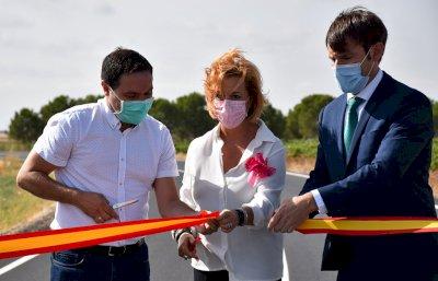 Diputación mejora la seguridad de la carretera entre San Clemente y Casas de los Pinos