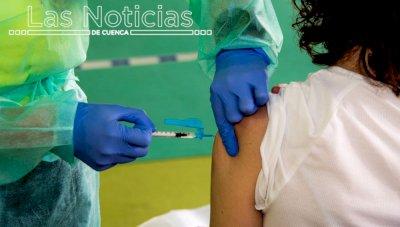 El 70 por ciento de la población castellanomanchega ya está vacunada