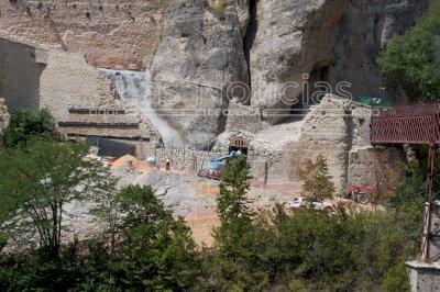 Comienzan los trabajos de reconstrucción del muro de Canónigos