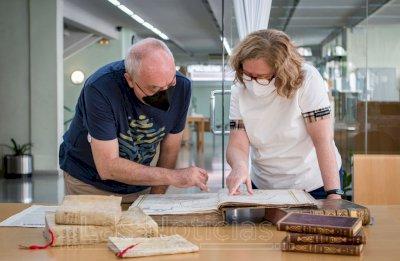 Los tesoros escondidos en la Biblioteca 'Fermín Caballero'