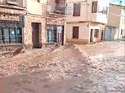 Cortes de carretera, ríos de lodo y mobiliario destrozado, efectos de la tormenta en Cuenca