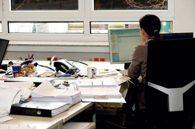 El Gobierno regional adjudica 1.327 plazas de empleo público